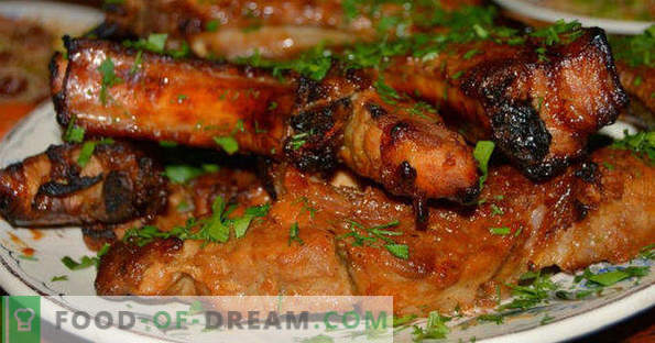 How to cook pork ribs in the oven, simple and tasty