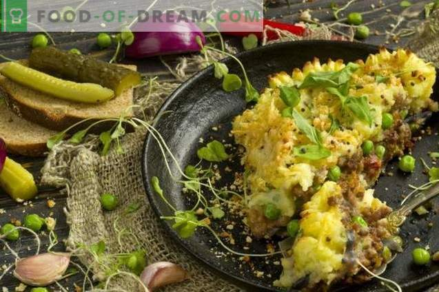 Potato pie with minced meat and vegetables