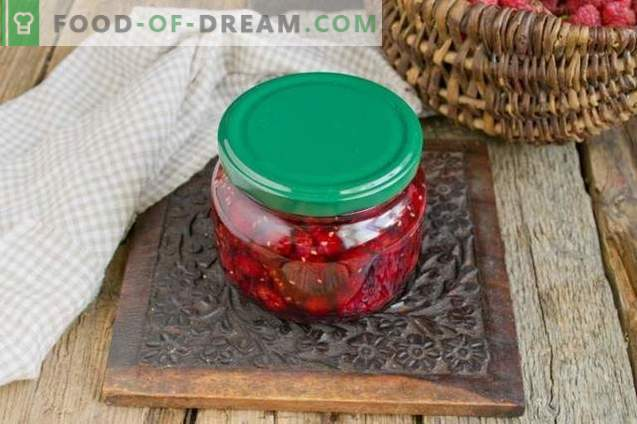 Thick raspberry jam with whole berries