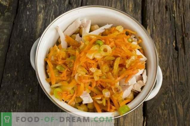 Salada com frango defumado e grão de bico