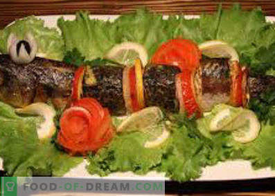 How to cook delicious mackerel in the oven. Baked mackerel in parchment