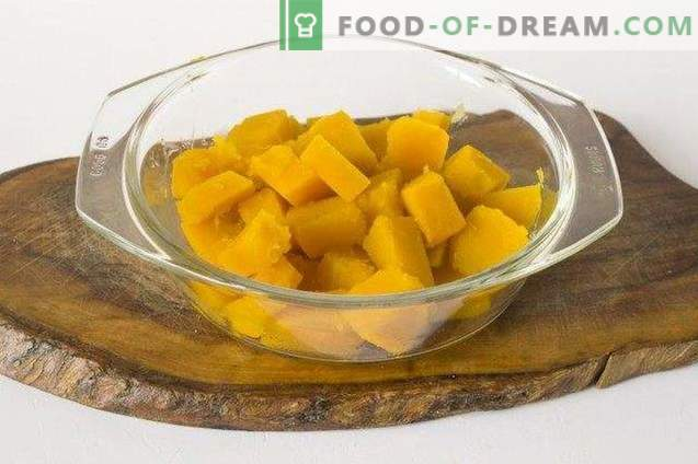 Salad with pumpkin and sweet pepper in a fragrant marinade for the winter