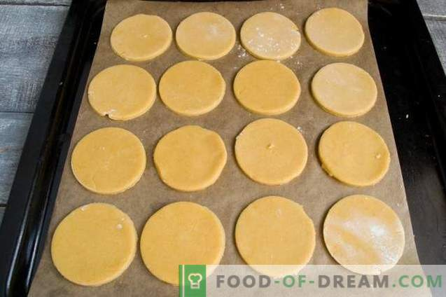 Homemade biscuits for the Easter table