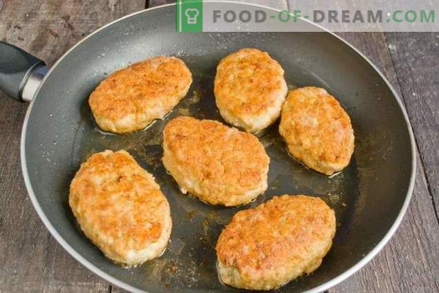 Chopped Chicken Meatballs with Onions