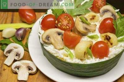 Festive salad with cheese and baked garlic
