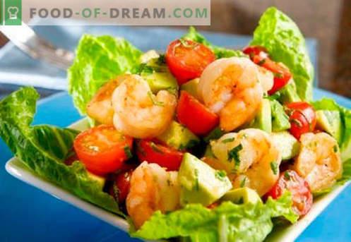 Salad with avocado and shrimps - proven recipes. How to cook a salad with avocado and shrimp.