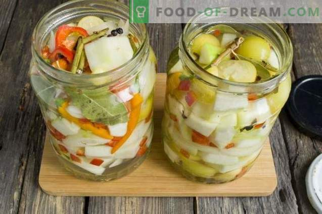 Marinated Zucchini with Onions, Pepper and Physalis