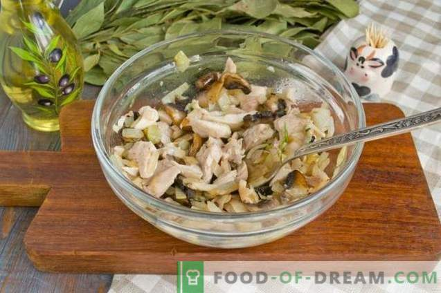 Salad with fried mushrooms and chicken