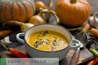 Pumpkin soup with carrots and ginger