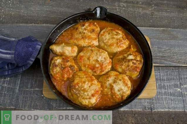 Meatballs with tomato and sweet pepper gravy