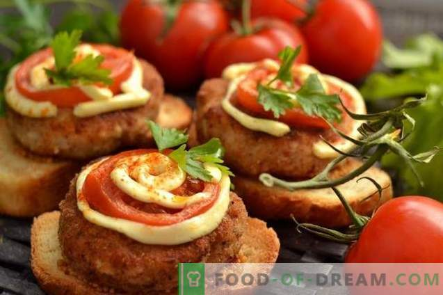 Hot sandwiches with meatballs in the oven