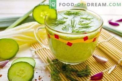 Smoothie with cucumber and spinach