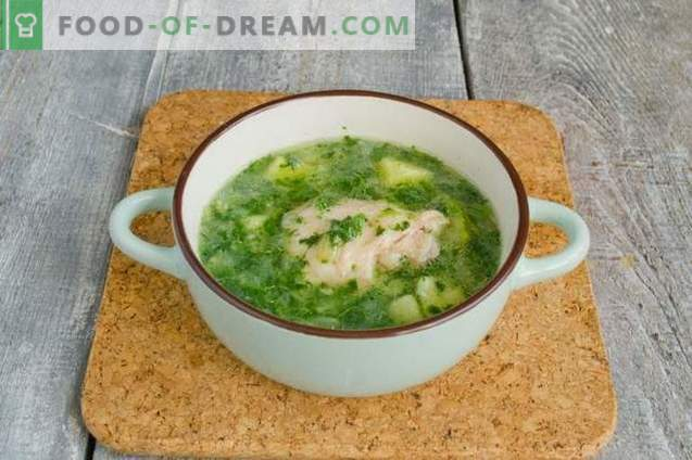Soupes aux épinards verts