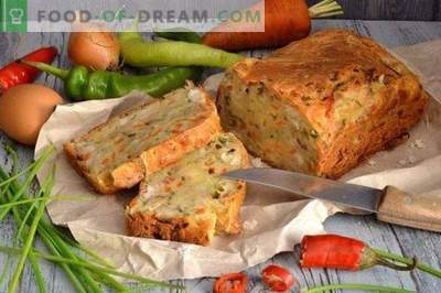 Mushroom pie with chicken and vegetables