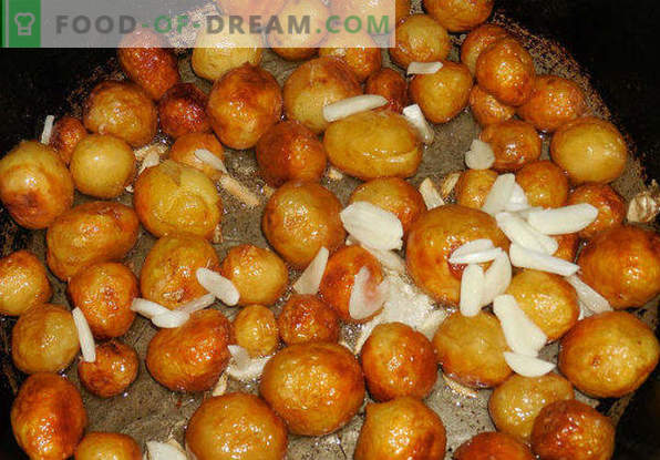 How to fry potatoes in a frying pan with a golden crust, onions, meat, mushrooms