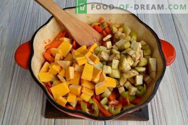 Pumpkin Soup with Peppers and Potatoes