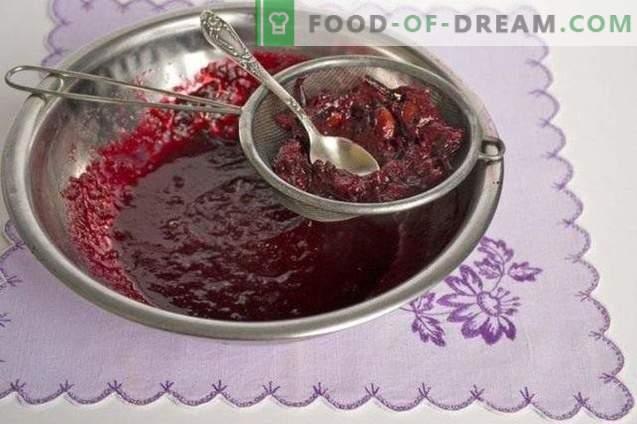 Home-made plum marmalade