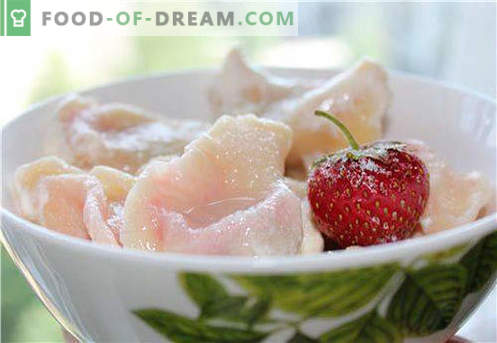 Dumplings with strawberries - the best recipes. How to properly and tasty cook dumplings with strawberries at home.