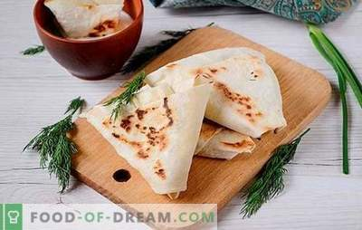 Appetizer from cottage cheese and pita with garlic and greens - just ask on the table! Photo-recipe step by step cooking spicy snack of pita and cottage cheese