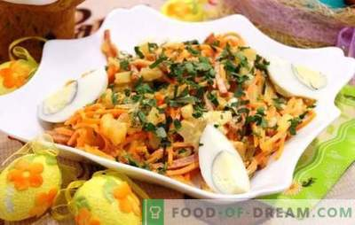 An excellent basis for salad is Korean carrot with sausage. Korean carrot salads with sausage and other ingredients
