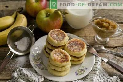 Magnificent cheesecakes with banana-apple confiture