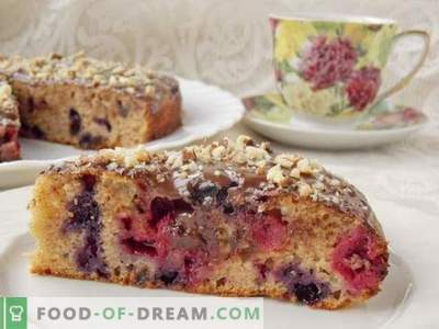 Half-flour cake with cherries and blueberries