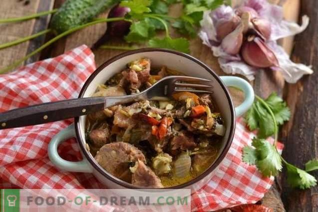 Stewed pork in white wine with spicy seasonings