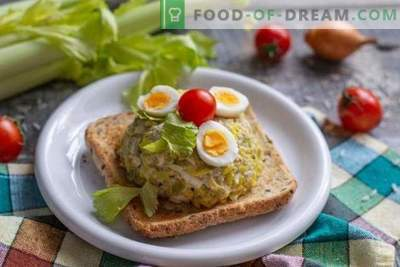 Simple and tasty cod liver salad with golden rice