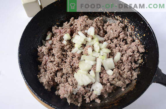 A very simple technology of cooking pasta in a naval manner with minced pork. The classic recipe step by step with the photo: pasta in a fleet-style