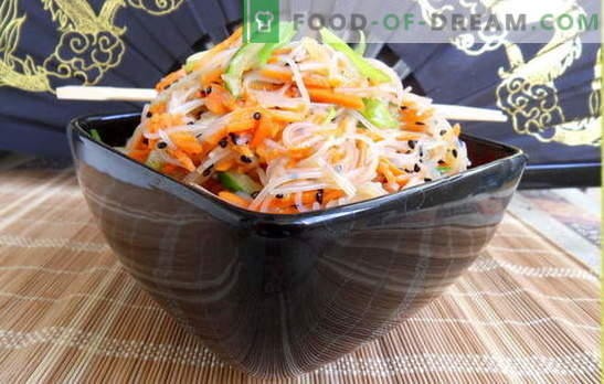 Funchoza with carrots - oriental notes in the everyday menu. Recipes funchozy with carrots and meat, onions, peppers, cucumbers, cabbage