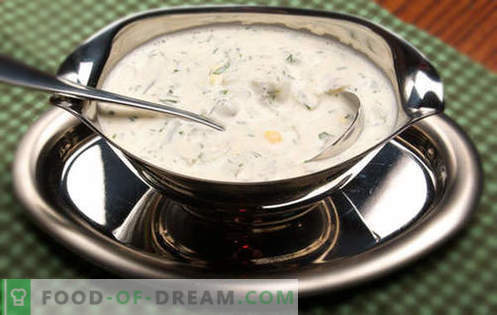 Sour cream sauce - the best recipes. How to properly and tasty to make sour cream sauce.