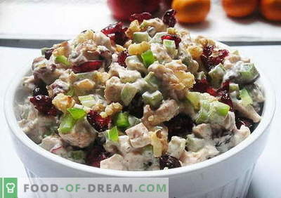 Chicken salad with prunes - the best recipes. How to properly and tasty cook chicken salad with prunes.