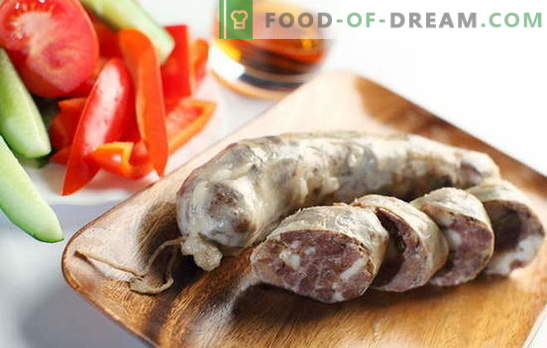How to please the family with homemade beef sausage? Homemade beef sausage: recipes without soy, preservatives and dyes