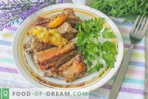 Baked pork ribs in citrus marinade