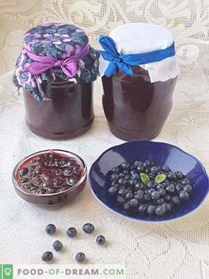 Blueberries grated with sugar
