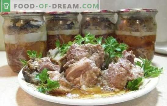 Homemade pork stew: cooking tricks. Cooking homemade stew of pork in the oven, slow cooker, double boiler