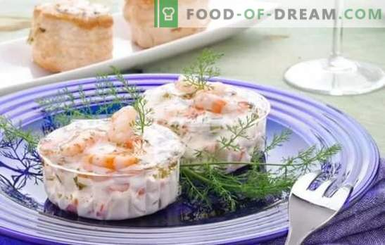 Shrimps in a creamy sauce - the perfect complement to rice and pasta! Shrimp recipes in a creamy sauce with garlic, onion, lemon, wine