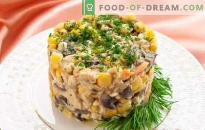 Salad with champignons and chicken breast: hit of the season! The best author's recipes and the original supply of salad with mushrooms and chicken breast