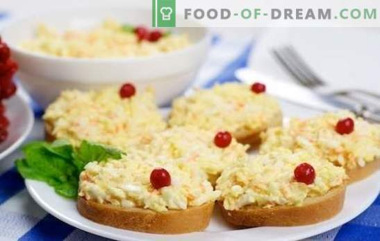 The most popular folk snack is eggs with cheese and garlic. Recipes for a variety of egg and cheese dishes and garlic