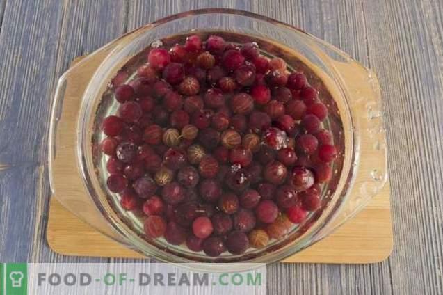 Raw gooseberry jam with orange