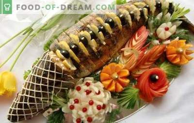 Stuffed pink salmon - king-fish with a surprise. Variants of stuffing for stuffed pink salmon: cereals, mushrooms, vegetables, cheeses