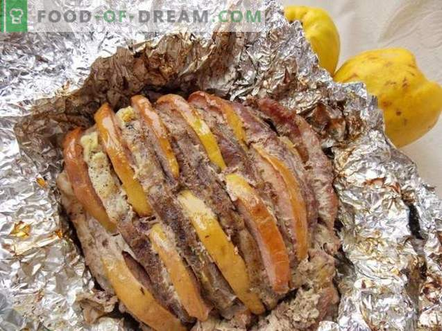 Pork with quince, baked in foil