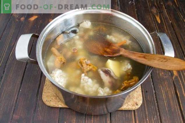 Mushroom soup with beans and potatoes