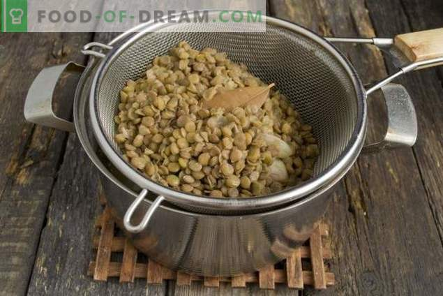 Lentils with chicken and vegetables