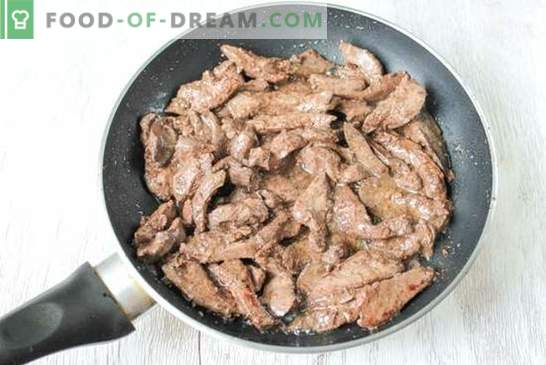 Photo recipe: liver in a Stroganov style - an old Russian dish. Step-by-step liver recipe in a Stroganov style: photo