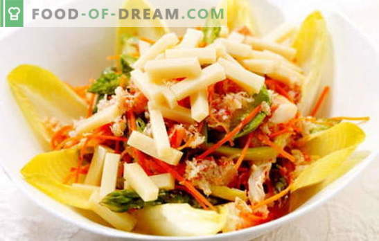 Salad with Korean carrots and crackers: recipes. Cooking at home a delicious and hearty salad with Korean carrots and crackers