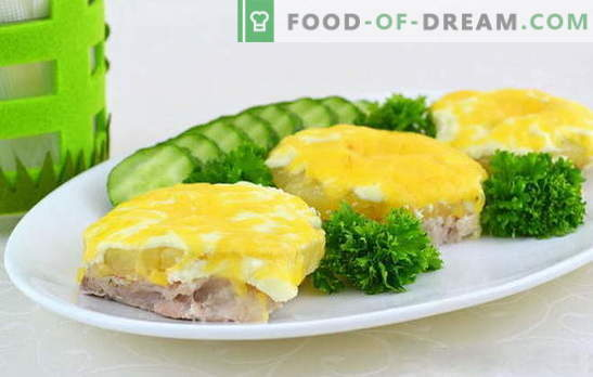 Do you want to cook juicy meat with pineapples in the oven? Find out how! Ways of cooking meat with exotic pineapples in the oven
