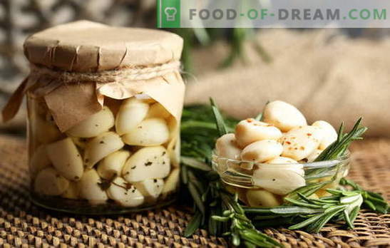 Pickled garlic - only taste and benefit! How to pickle garlic at home with heads, teeth and arrows
