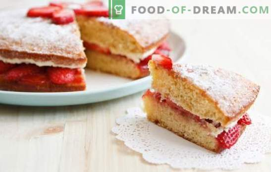 Sponge cake with strawberries, ice cream, sorbet and summer mood. Biscuit dessert with strawberries - when it's hot outside!
