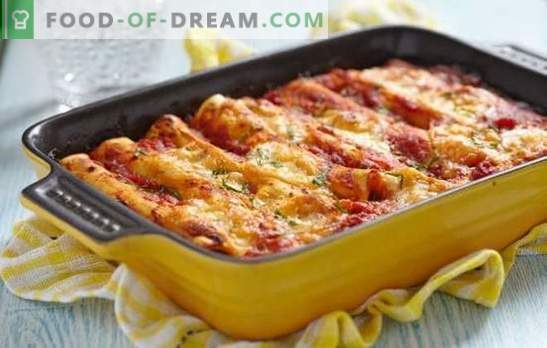 Cannelloni with minced meat - Italy on a plate! Cooking cannelloni with minced meat and cheese, mushrooms, tomatoes, spinach sauce